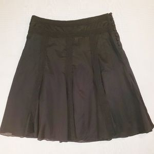 Apostrophe lined skirt.